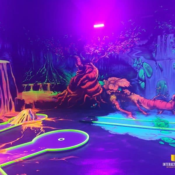 Dschungel Welt in einer Minigolfanlage