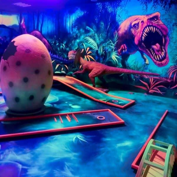 Schwarzlicht-Minigolf-Interactive-Lasergames-com-138
