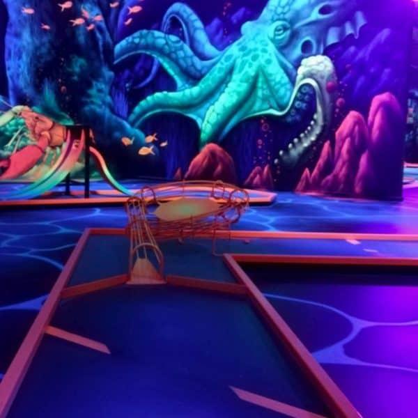 Schwarzlicht-Minigolf-Interactive-Lasergames-com-159