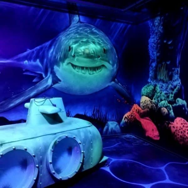 Schwarzlicht-Minigolf-Interactive-Lasergames-com-160