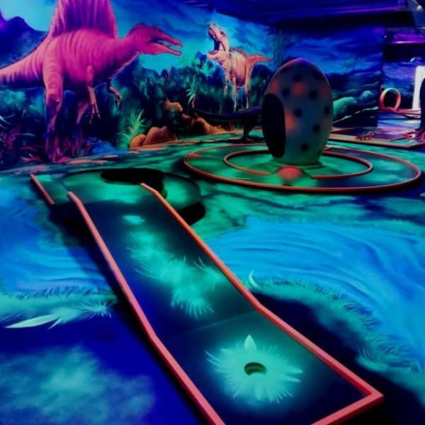 Schwarzlicht-Minigolf-Interactive-Lasergames-com-167