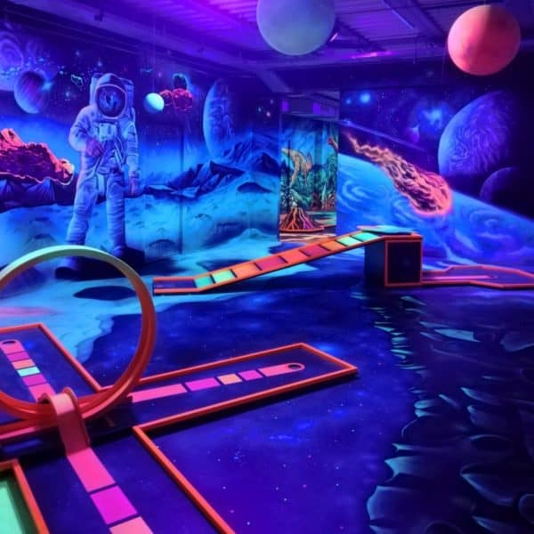 Schwarzlicht-Minigolf-Interactive-Lasergames-com-172