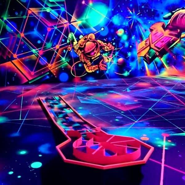 Schwarzlicht-Minigolf-Interactive-Lasergames-com-63