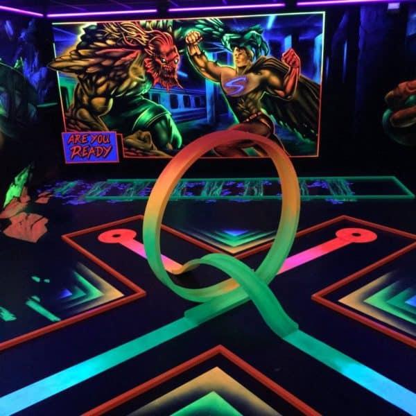 Schwarzlicht-Minigolf-Interactive-Lasergames-com-73