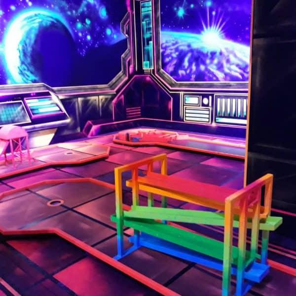 Schwarzlicht-Minigolf-Interactive-Lasergames-com-75