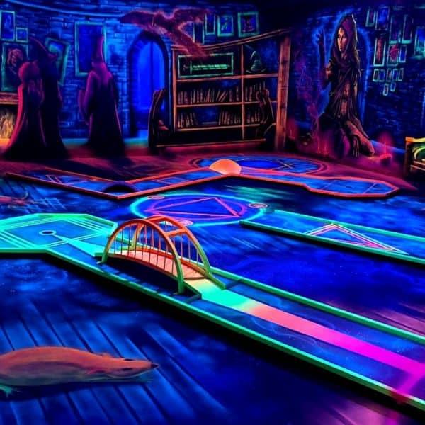 Schwarzlicht-Minigolf-Interactive-Lasergames-com-88