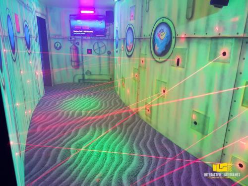 heide-park_lasergame-lasermaze-12