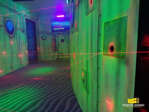 heide-park_lasergame-lasermaze-33