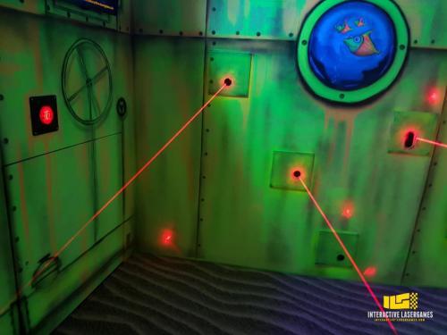 heide-park_lasergame-lasermaze-34