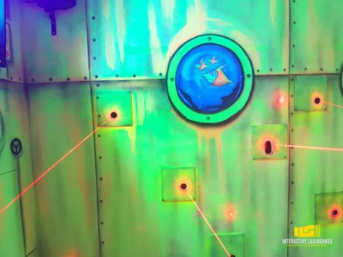 heide-park_lasergame-lasermaze-40